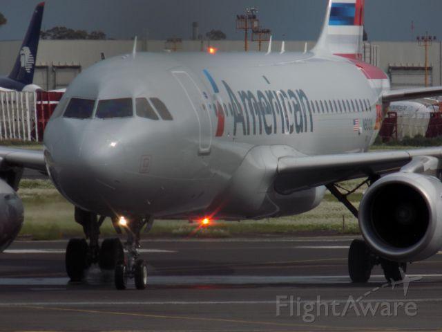Airbus A319 (N8001N)