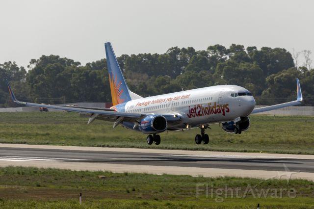 Boeing 737-800 (G-JZHA)