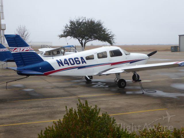 Piper Cherokee (N406A)