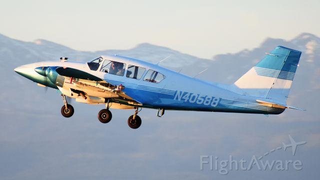 Piper Apache (N40588)