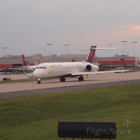 Boeing 717-200 (N896AT)