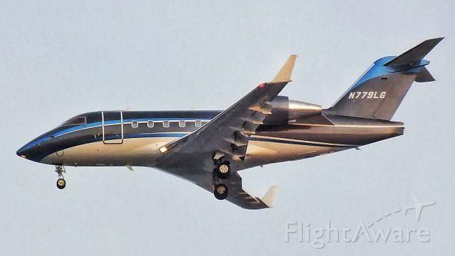 Canadair Challenger (N779LG)
