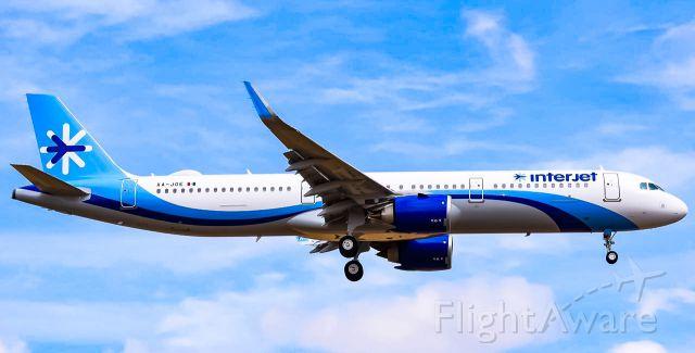 Airbus A321neo (XA-JOE) - NEWEST A321NEO OF INTERJET!