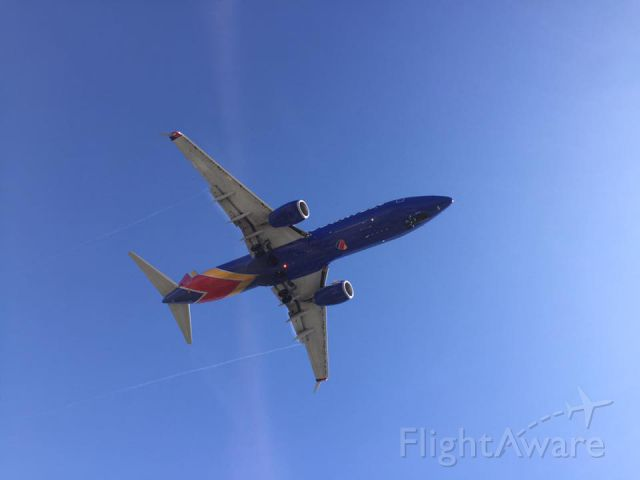 — — - Southwest Airlines Boeing 737-300 approaching LAX