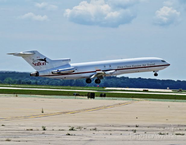 BOEING 727-200 (N725CK) - Air Horse One about to touch down delivering thoroughbreds<br /> for the Arlington Million.