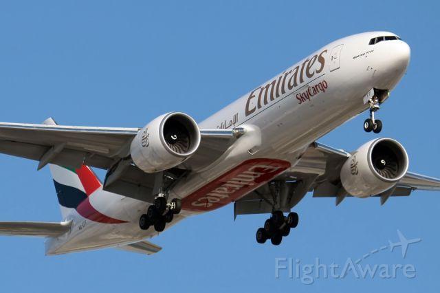 Boeing 777-200 (A6-EFF)
