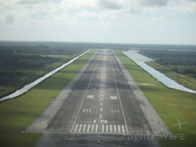 Cirrus SR-20 (N651K) - Space shuttle runway view from the north