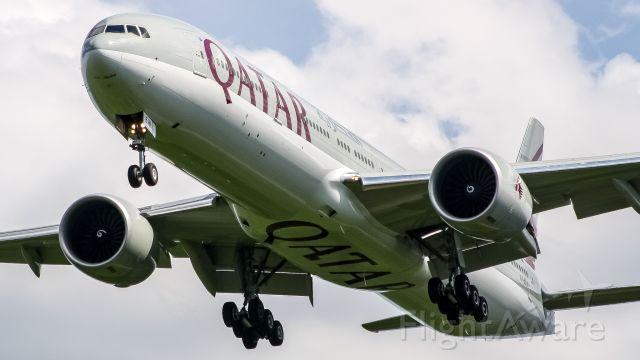 BOEING 777-300ER (A7-BEW)