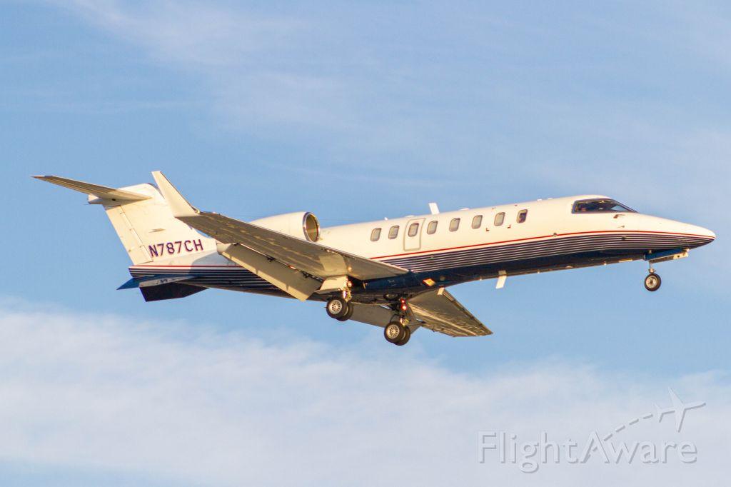 Learjet 35 (N787CH)