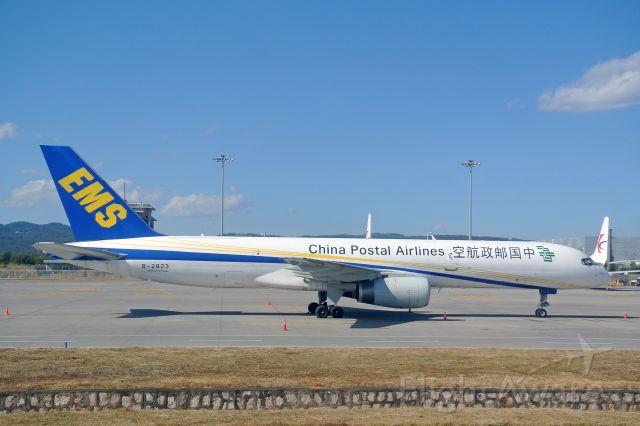 Boeing 757-200 (B-2823)