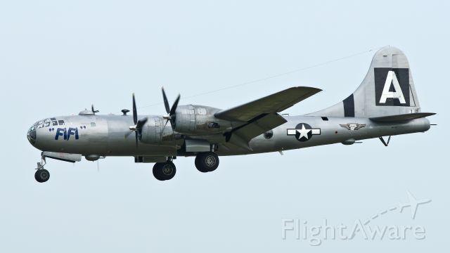 Boeing B-29 Superfortress (NX529B) - FiFi landing rwy 21 after morning revenue flight on 08-14-2013