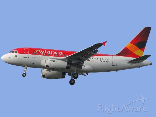 Airbus A318 (PR-AVH) - First record of the PR-AVH to start its operations by landing the first time in GRU, the first Airbus A318 for Avianca Brazil fleet.