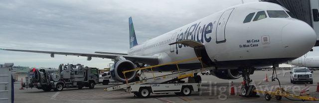 Airbus A321 (N948JB) - Mi Casa Blue Casa