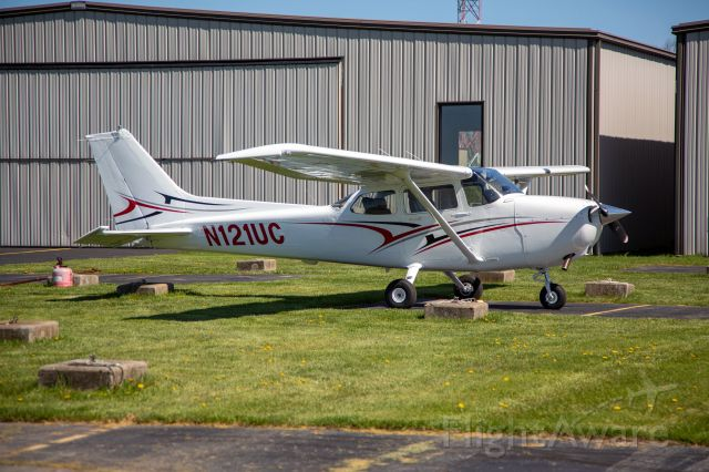 Cessna Skyhawk (N121UC) - Complete overhaul of this training Skyhawk used for the University of Cincinnati professional flight program.