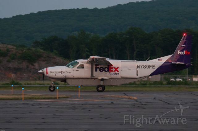 Cessna Caravan (N789FE)