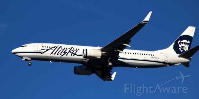Boeing 737-700 (N317AS) - On Final 30L,  09-21-2016