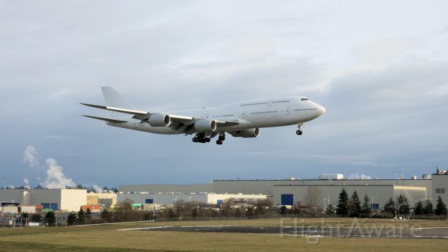 BOEING 747-8 (N895BA)