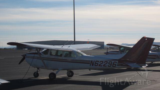 Cessna Skyhawk (N62296)