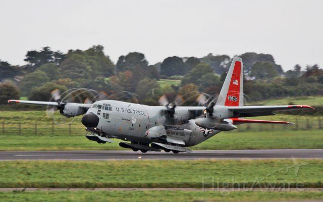 """Lockheed C-130 Hercules (83-0493) - """"rch937"""" usaf new york air guard lc-130h skibird 83-0493 dep shannon 23/9/17."""