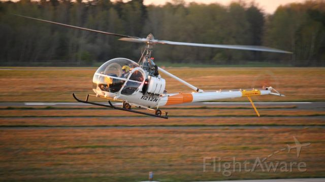 ROGERSON HILLER UH-12E Hauler (N212W)