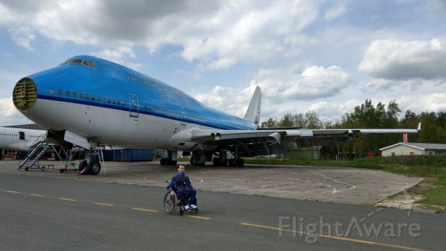 Boeing 747-400 (PH-BFR) - Me standing next to former KLM Boeing 747-400M (PH-BFR) Rio de Janeiro @ Aircraft End-of-Life Solutions (AELS). The aircraft will be scrapped in a couple of weeks. Most parts are sold and re-used.