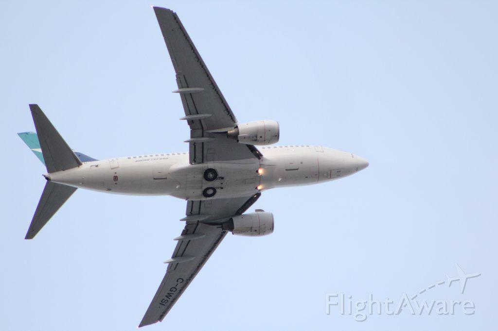 Boeing 737-800 (C-GWSI) - Departure YYC