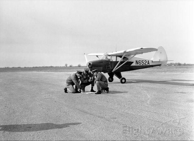 Piper PA-22 Tri-Pacer (N652A) - [AFROTC members at airfield], photograph, [1964..1965]; (https://digital.library.unt.edu/ark:/67531/metadc288934/: accessed July 28, 2020), University of North Texas Libraries, UNT Digital Library, https://digital.library.unt.edu; crediting UNT Libraries Special Collections.