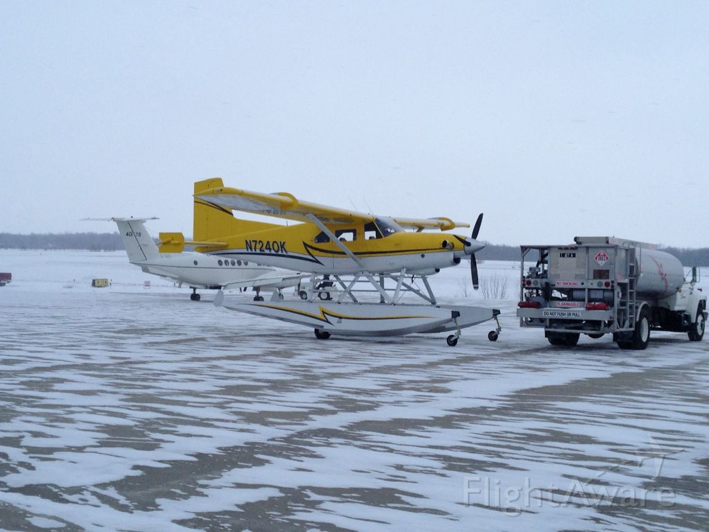 De Havilland Canada DHC-2 Mk1 Beaver (N7240K) - Fuel stop on the way to find some non-frozen water.