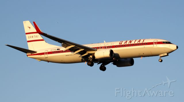 Boeing 737-800 (VH-VXQ) - New Retro Jet On Approach To Rwy 16R