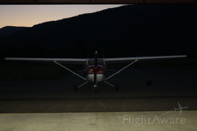 Cessna Skyhawk (N739LU)
