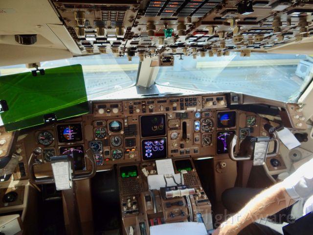 BOEING 767-300 (N1609)