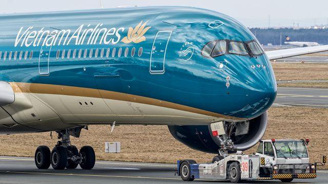 Airbus A350-900 (VNA893)