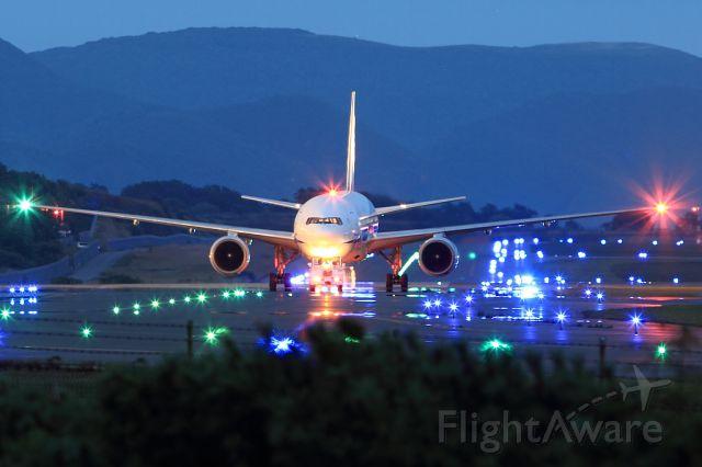 Boeing 777-200 (JA8969)
