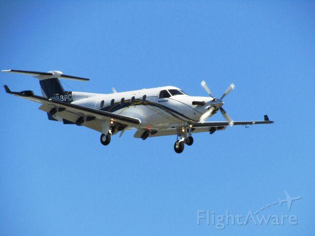 Pilatus PC-12 (N188PC) - Landing RWY 20R