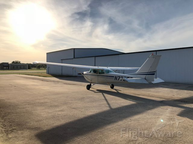 Cessna Skyhawk (N7729G) - Late afternoon light at Boerne Stage Airfield - 5C1