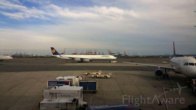 Airbus A340-600 (D-AIHA) - At Newark