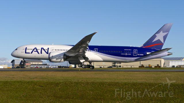 Boeing 787-9 Dreamliner (CC-BGG) - BOE613 nears touchdown on Rwy 34L to complete its C2 flight on 12/14/15. (ln 382 / cn 38461).
