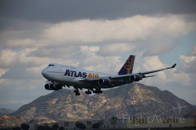 Boeing 747-400 — - landing March Air Reseve Base-California