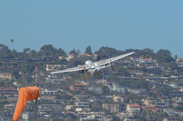 Grumman C-2 Greyhound — - Lifting of near the 11 markers.