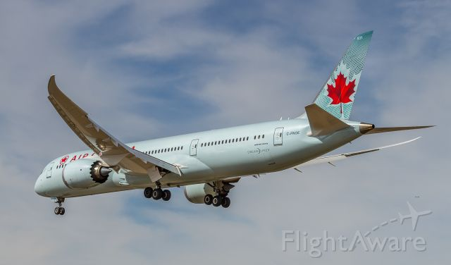 Boeing 787-9 Dreamliner (C-FNOE) - On short finals for runway 23 at YYZ