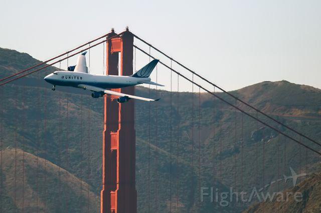 BOEING 767-300 (N118UA)