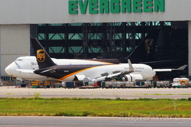 BOEING 767-300 (N360UP)