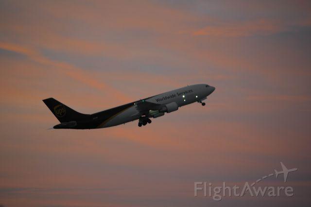 Airbus A300F4-600 (N137UP) - Runway 22 departure for Guadalajara.