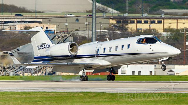Learjet 60 (N454AN) - 22 arrival.