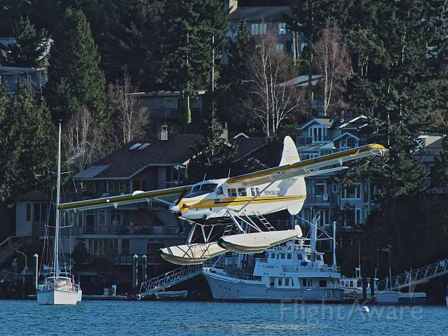 De Havilland Canada DHC-3 Otter (N3125S) - On final for seaplane base W33 at Friday Harbor, WA
