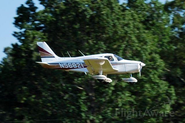 Piper Cherokee (N56821)