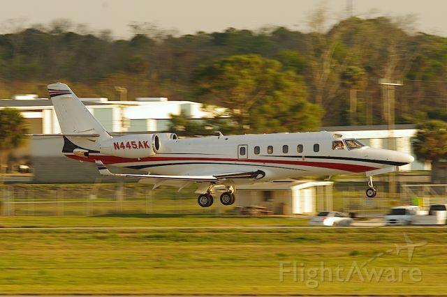 IAI Gulfstream G100 (N445AK) - Landing 25R.