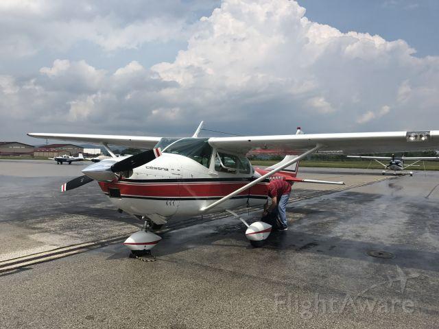 Cessna Skylane (N3026Y) - N3026y