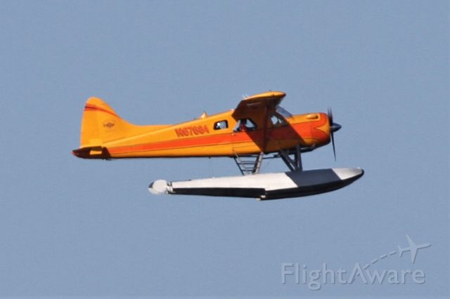 De Havilland Canada DHC-2 Mk1 Beaver (N67684) - Taking off from Lake Washington