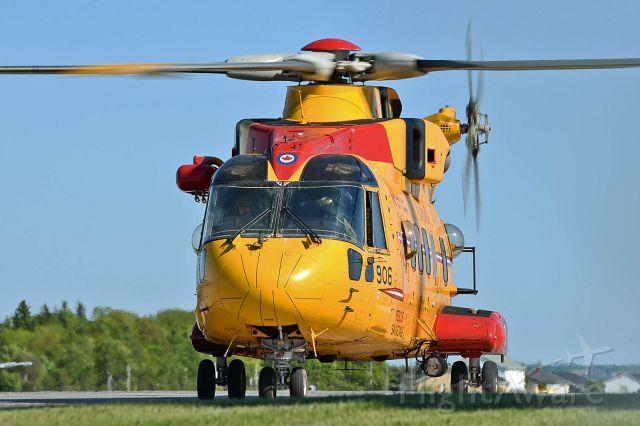 WESTLAND Merlin (14-9906) - RCAF SAR CH-149 Coomorant